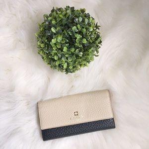 Kate Spade wallet (Southport Avenue)